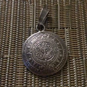 Jewelry - Sterling silver vintage pendant